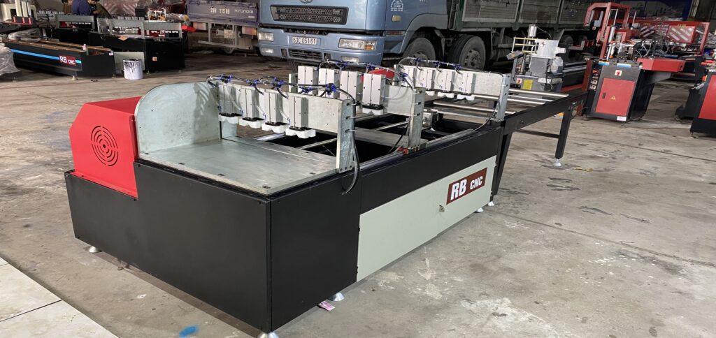 Máy cắt ke nhôm công nghiệp cnc thương hiệu RB CNC