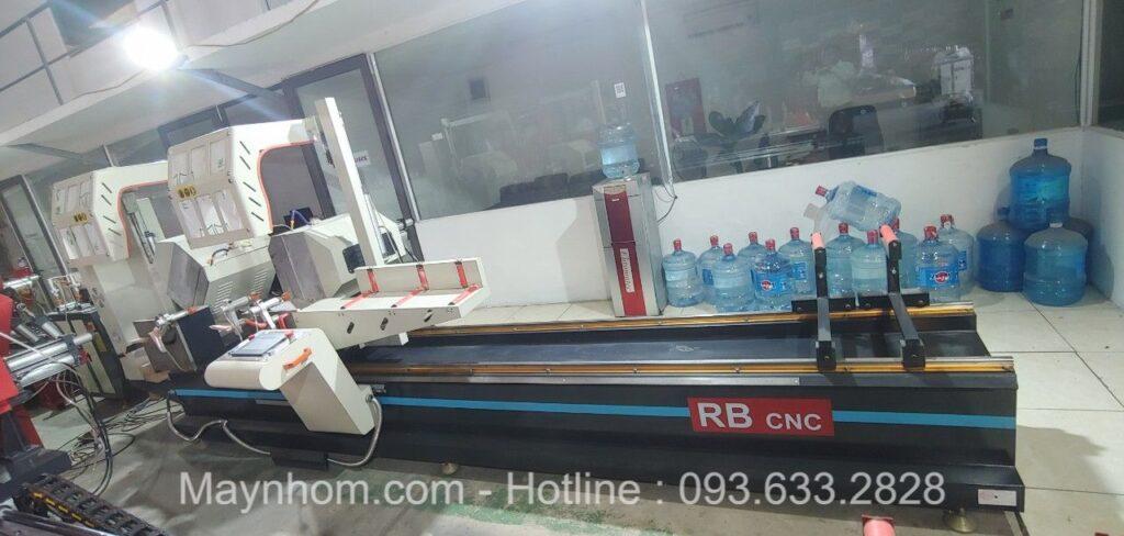 Máy cắt nhôm 2 đầu lưỡi 500 cnc thương hiệu RB CNC